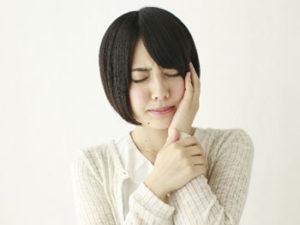 国内の成人の約80%が何らかの歯周病にかかっていると言われています