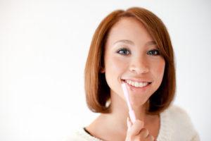誤嚥性肺炎の予防策は歯磨き・うがいで口内を清潔を保つ