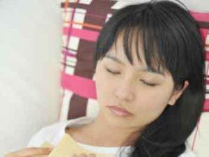 いくら休んでも激しい倦怠感が残り、いつまでも疲れが取れない「慢性疲労症候群」という病気をご存知でしょうか