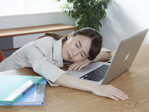 「慢性疲労症候群」は原因不明の難病です