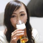増え続ける女性の「アルコール依存症」の危険性について