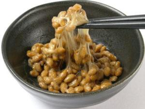免疫力を高める食べ方や食べ物のヒント~発酵食品である納豆を食べる