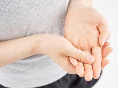 関節リウマチの治療薬メトトレキサートは副作用として口内炎ができやすい