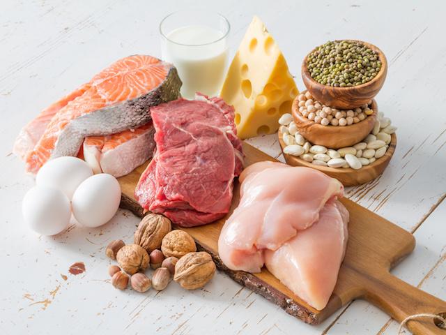 必須アミノ酸を適切な割合で含むものを「良質たんぱく質」といい、魚介類や肉類、大豆、卵、乳製品などが該当