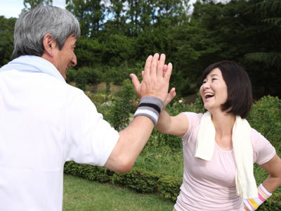 人とコミニュケーションを取りながら行える運動やスポーツが認知症予防に良い